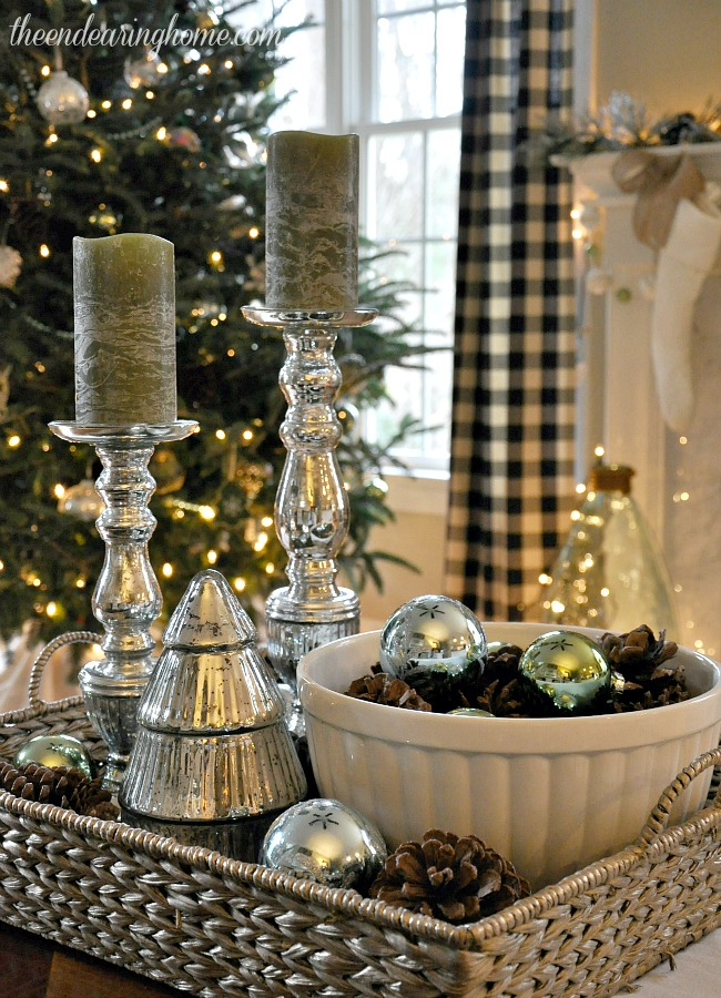 Christmas in the family room - The Endearing Home