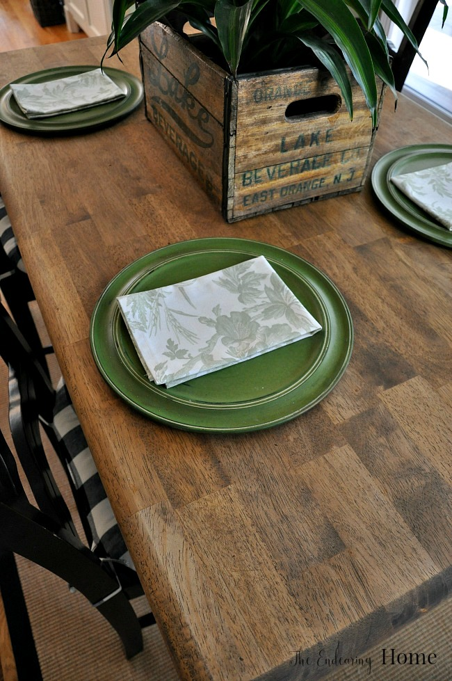 Farmhouse Wood Kitchen Table Makeover