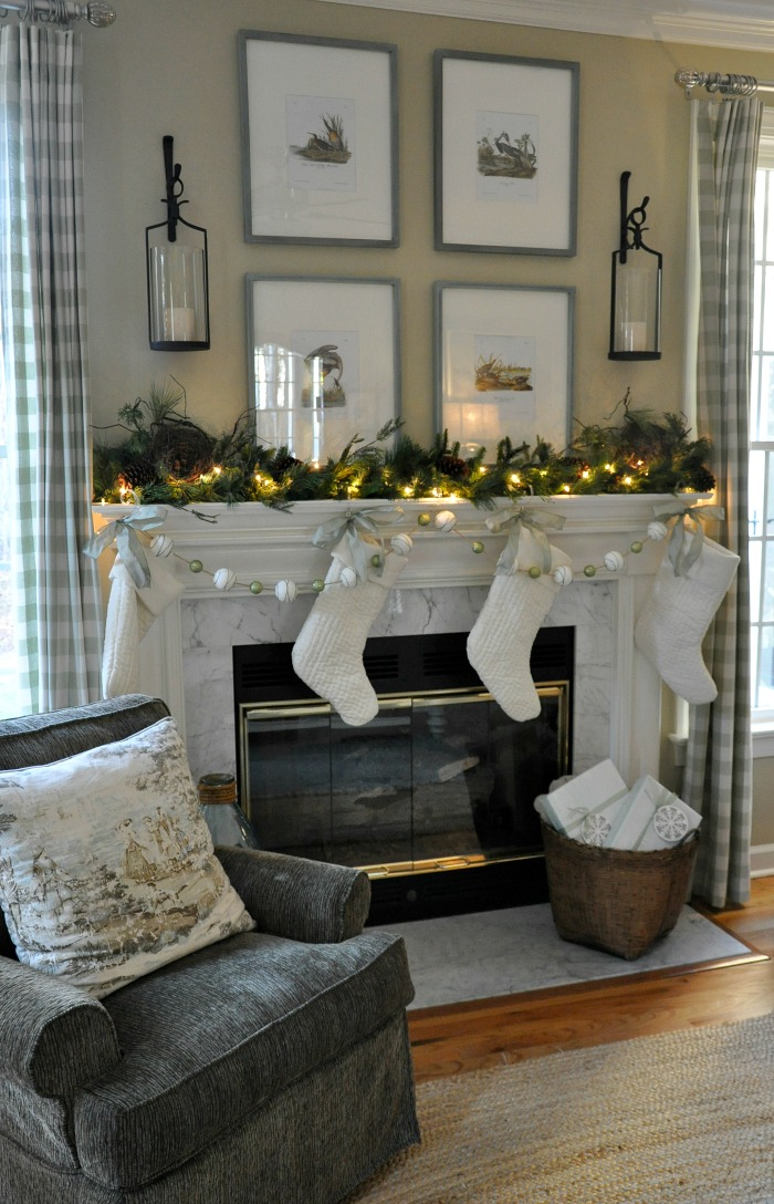 Christmas 2016 Family Room - The Endearing Home